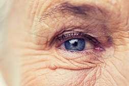 Crystal Eyes помогает сохранить зрение до глубокой старости.