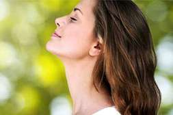 Средство Лоромакс облегчает дыхание сразу после первого закапывания.